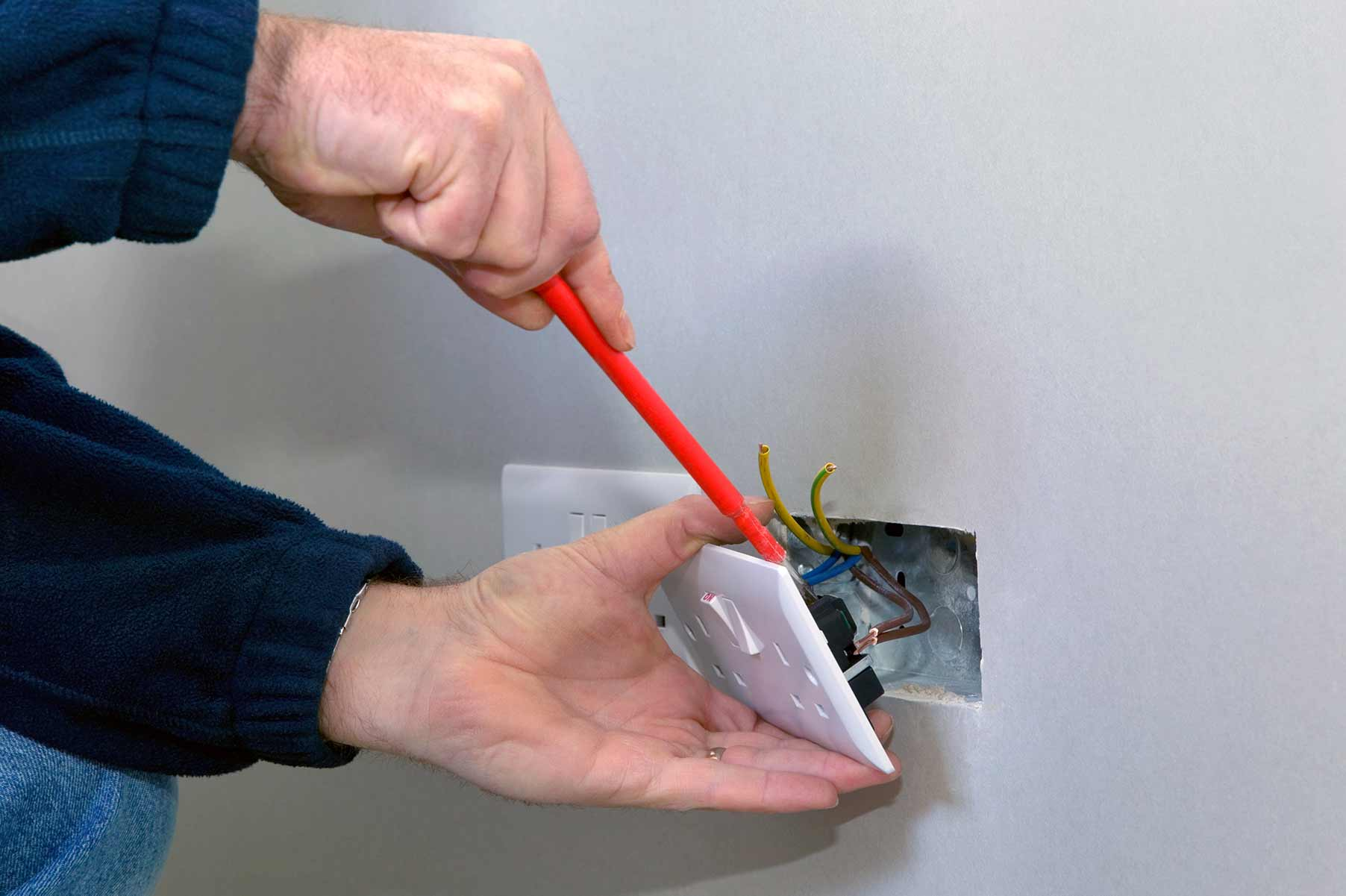 Our electricians can install plug sockets for domestic and commercial proeprties in Kingsbury and the local area.